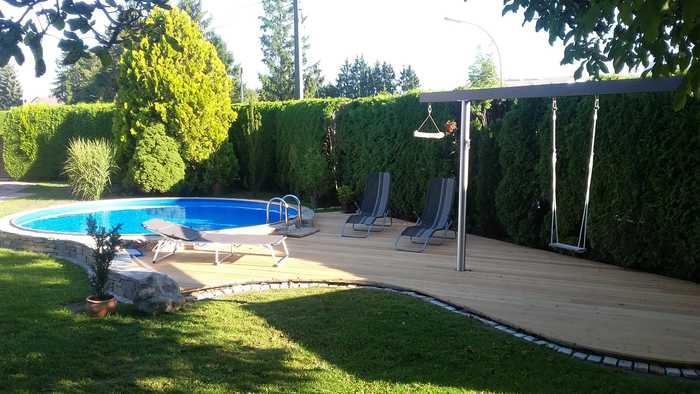 Terrasse Schwimmbad