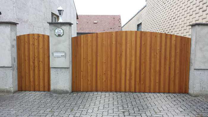 Tor und Eingangstür