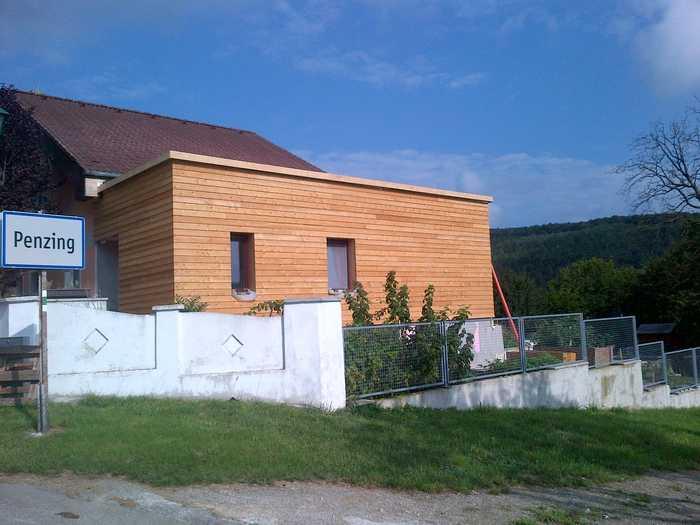 Holzfassadenwand sibirische Lärche
