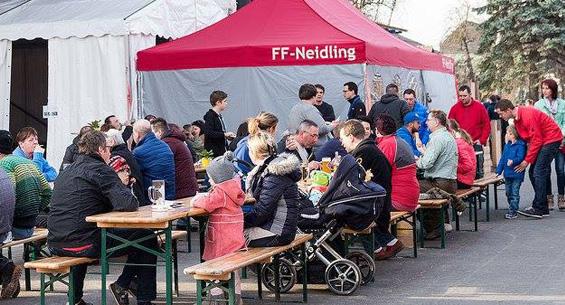 Kulinarisches Burger Holzfest